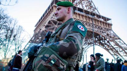 Frankrijk zet met oud en nieuw 100.000 politiemensen in