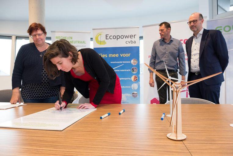 Partners en stad Mechelen ondertekenen engagement voor windmolens