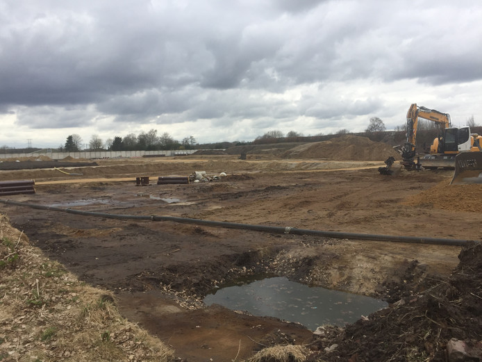 De voorbereidingen voor het nieuwe winkelcentrum in Berkel-Enschot zijn in volle gang.