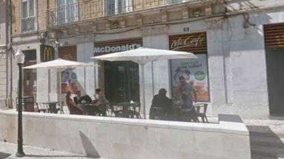 Onbekende man steekt mes in rug van Franse toeriste (21) in filiaal van McDonald's in Lissabon
