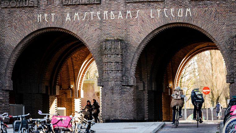 Het Amsterdams Lyceum is een van de populairste scholen van de stad. Beeld anp