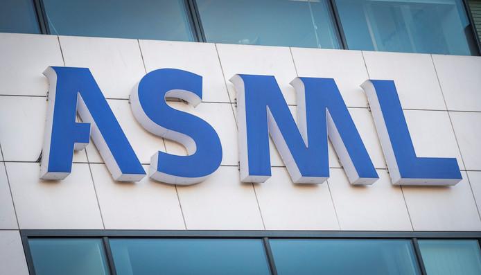 Woensdag werd bekend dat de omzet van ASML boven de negen miljard euro uit steeg.