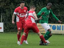 Letwory weer de grote man bij Helmondia; RKPVV speelt gelijk door blunder van Schadewijk-doelman