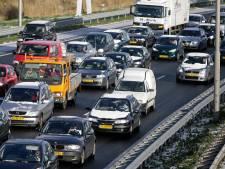 Deel A4 tussen Rotterdam en Den Haag zeker twee uur dicht na ongeluk
