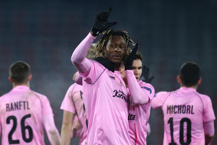 Mamoudou Karamoko viert de 3-3 van Linz.