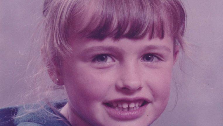 Mirjam van Biemen, de auteur van dit artikel, op 8-jarige leeftijd. Beeld familiealbum