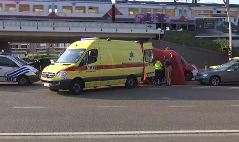 Het ongeval gebeurde op het kruispunt van de Singel en Vijfstraten.