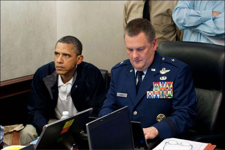 25 lange minuten keek Obama toe hoe de operatie verliep.