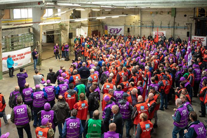 Medewerkers van metaalbedrijven in de regio Utrecht, Almere en Amsterdam legden eind vorige maand het werk neer.