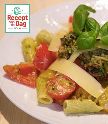 Recept van de dag: Pastasalade met zomertomaten en pistachepesto