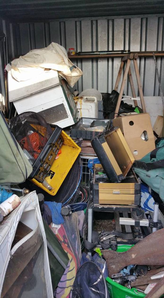 De garage werd overhoop gehaald.