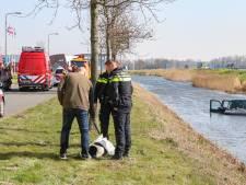 Trucker redt man met hond uit water bij Emmeloord