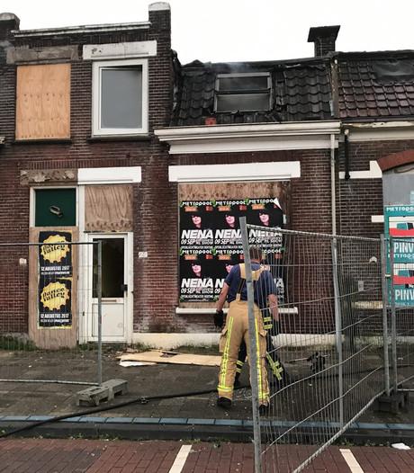 Brand in slooppanden in Almelo