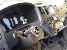 Stuur, airbags en navigatiesysteem gestolen uit auto in Hoevelaken