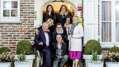 VTM vervangt 'Met vier in bed' door realityreeks in Spanje