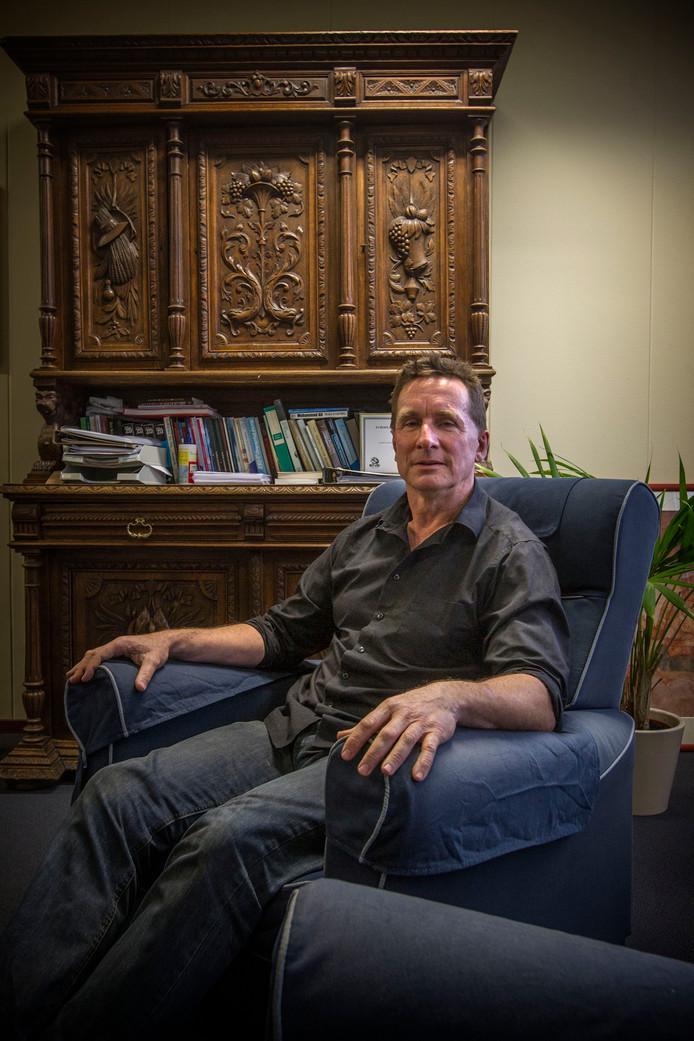 Erik Matser in zijn werkkamer.