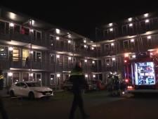 Forensische Opsporing doet onderzoek na brand bij Enschedese flatwoning