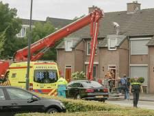 Verwarde man met hulp van hoogwerker van het dak gehaald in Gemert