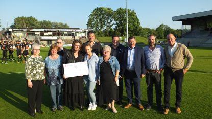 Mooi eerbetoon aan overleden SK Deinze-supporter Johan: opbrengst Nacht van SK Deinze gaat naar kankercentrum van UZ Gent