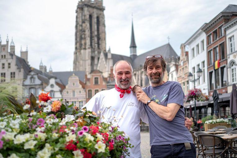 Organisatoren Luc Vis en Karel Meyer klagen de administratieve rompslomp bij hun evenement aan.