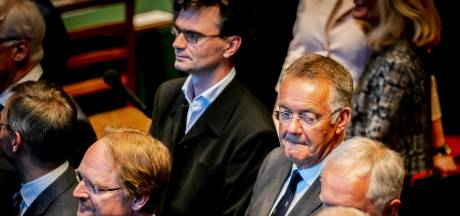 Vier senatoren stappen uit Forum, exodus gaat door