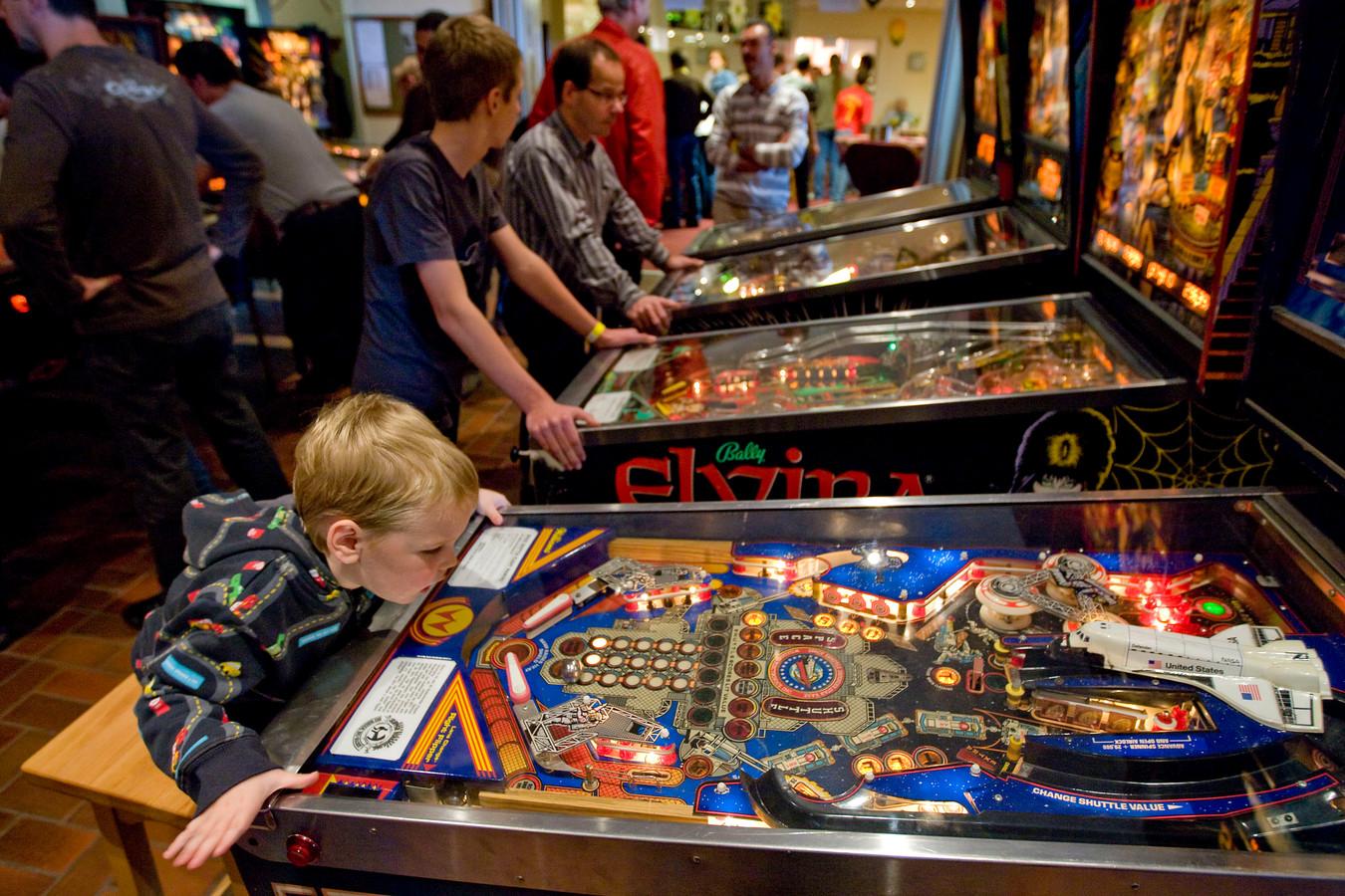Bij een eerdere editie van de Dutch Pinball Open  was de driejarige Xandro uit Eindhoven de jongste deelnemer.