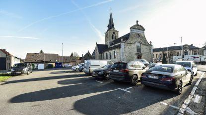 Nieuwe voetpaden aan kerkplein