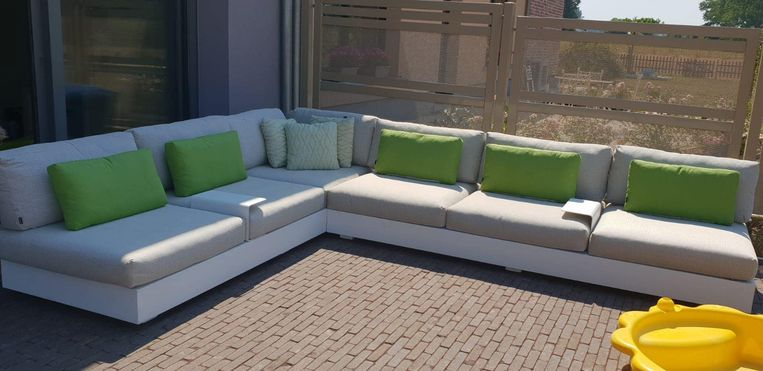 De gestolen loungeset had een waarde van 10.000 euro.