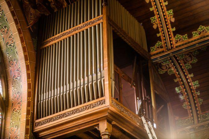 Het orgel in de Heilig Bloedkapel wordt momenteel gerestaureerd