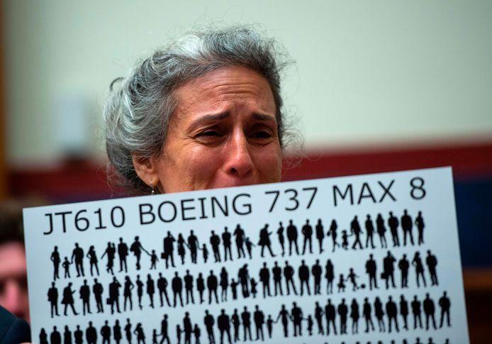 Nadia Milleron, moeder van een bij de crash met Ethiopian Airlines vlucht 302 omgekomen passagier, in tranen.