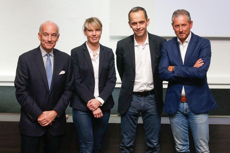 Het nieuwe Referee Department: David Elleray, Stephanie Forde, Bertrand Layec en Frank De Bleeckere.