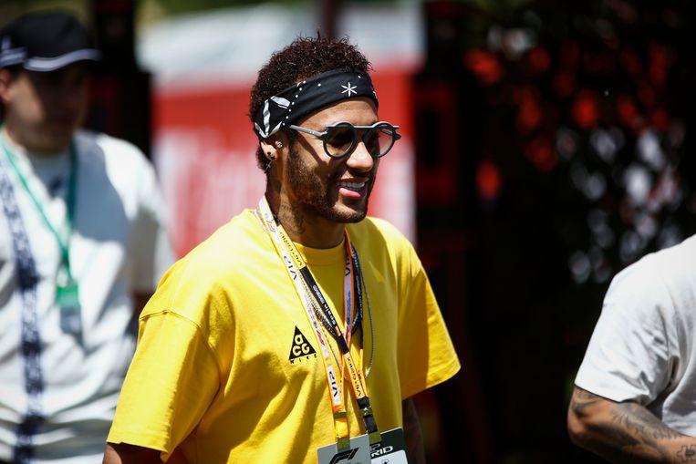 Neymar woonde dan maar de Grote Prijs van Spanje (Barcelona) in de Formule 1 bij.