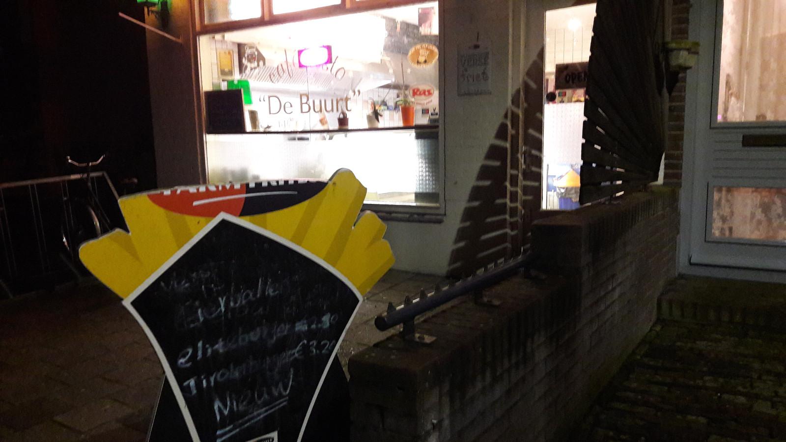 Cafetaria De Buurt is vrijdag overvallen.