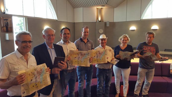Vlnr. Paul Nijskens, Theo van der Heijden, Sjef van Roessel, Joep Horevoorts, Sjef Schellekens, Mau Mutsaers en Martijn van Gool.