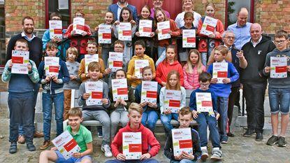 Leerlingen techniekacademie trots op diploma