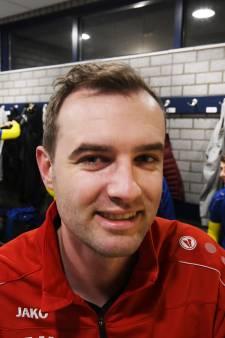 Michel op 't Hoog kijkt ogen uit in Liendense achtbaan