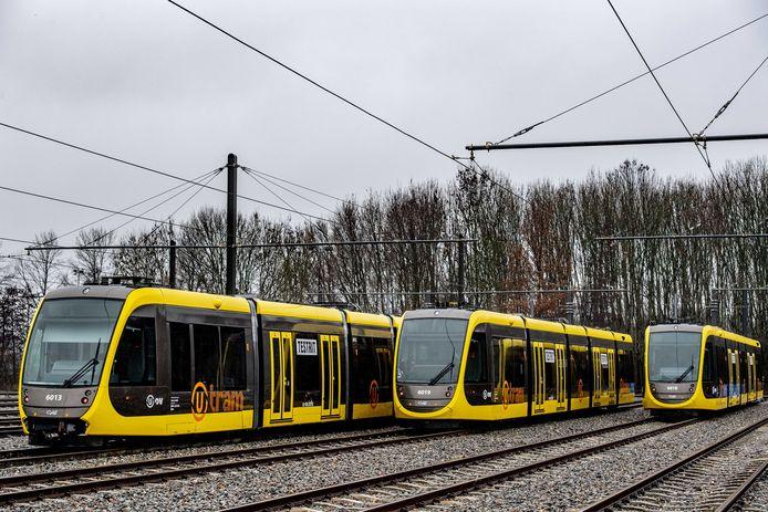 Nieuwe tramstellen voor de Uithoflijn staan klaar op de remise.