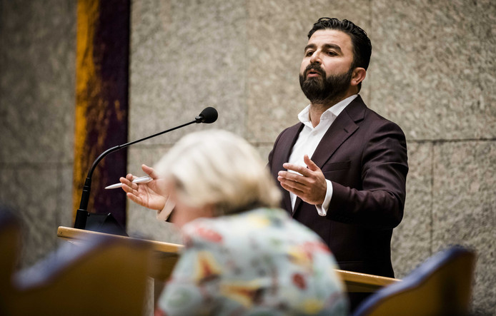 Selcuk Öztürk, Denk-Kamerlid, sprak dinsdag tijdens een debat in de Tweede Kamer over het Nederlands bombardement in Irak over 'moord'.