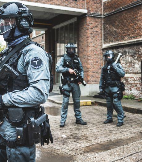 """Op bezoek bij de COPS, de best getrainde agenten van de regio: """"Ons werk ziet er indrukwekkend uit, maar dat hoort ook zo"""""""