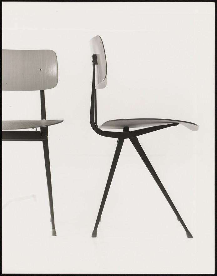 De Result stoel, ontworpen door Friso Kramer en Wim Rietveld.