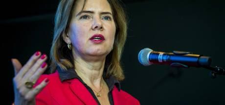 VVD-minister brengt verkeersbezoek aan Zwolse woonwijk