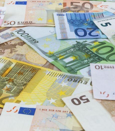 40.000 euro in verborgen ruimte auto: mannen bij Ossendrecht aangehouden voor witwassen