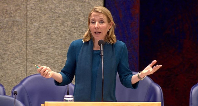 Staatssecretaris Stientje van Veldhoven vindt dat ze al heel veel doet aan hinderbeperkende maatregelen op het traject Meteren/Boxtel.