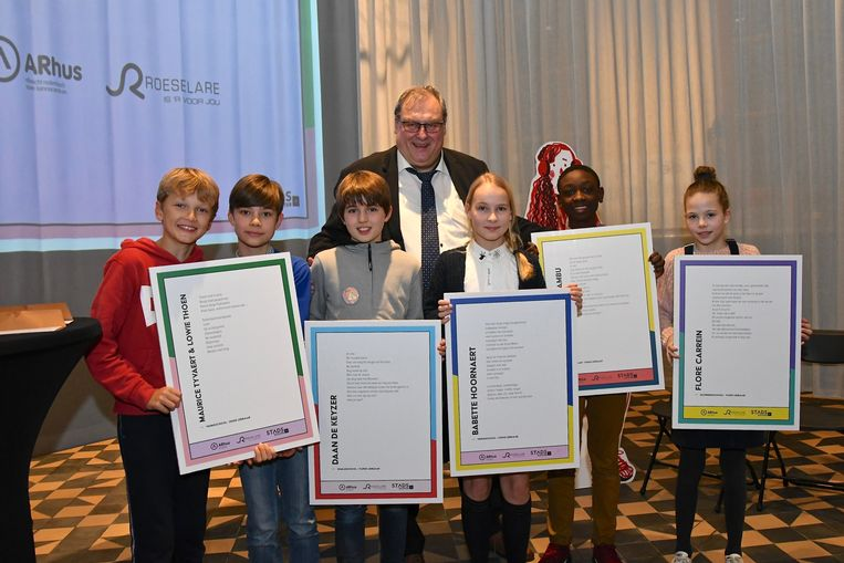De slotgenomineerden met schepen van jeugd en cultuur Dirk Lievens (CD&V).