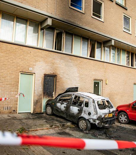Woning in Arnhem onbewoonbaar door auto die twee keer in brand is gestoken