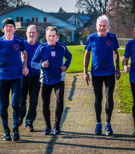 Liever een marathon dan de sjoelbak voor deze 70-jarige atleten van AV Goor