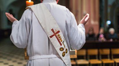 Hoeveel verdient een priester? Katholieke kerk publiceert eerste jaarrapport