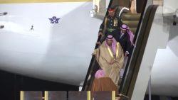Ook gouden roltrappen kunnen haperen, ondervindt Saoedische koning aan zijn vliegtuig
