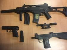Agenten stuiten op nepwapens in Overberg