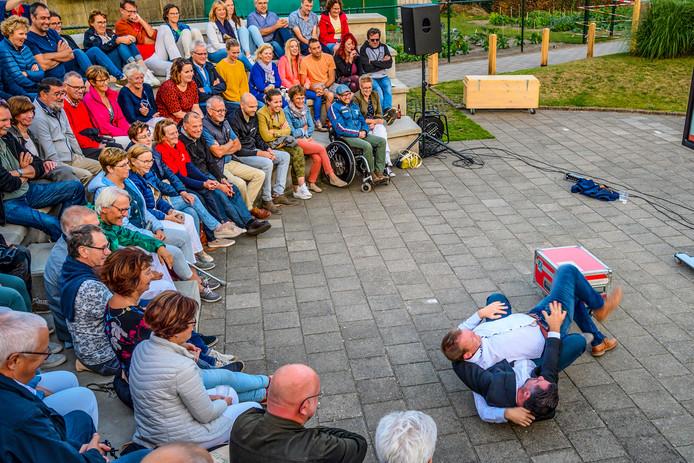 10-08-2019 - Nispen- Foto: Pix4Profs/Peter Braakmann - In openluchttheater Nispen vindt dit weekend een toneelvoorstelling van Drie Maal Plankenkoorts plaats, aansluitend volgt er nog een muziekoptreden.